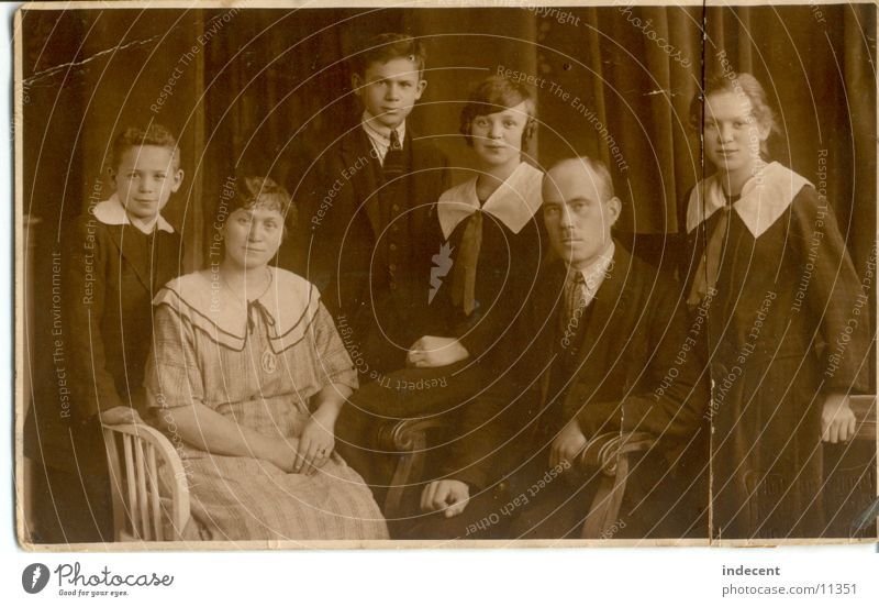 1920 Portrait photograph Twenties Family & Relations Girl Father Mother Brothers and sisters Group Old Black & white photo Boy (child) Parents