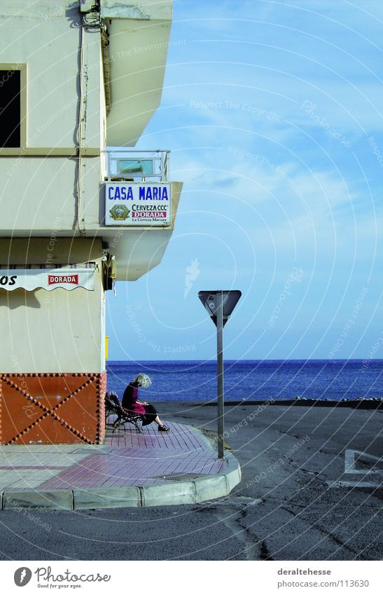 Woman Ocean Vacation & Travel Relaxation Places Communicate Traffic infrastructure Gomera