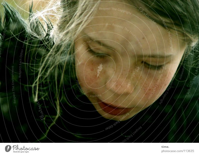 thought-sinker Girl 1 Human being Blonde Long-haired Observe Looking Curiosity Beautiful Self-confident Willpower Passion Watchfulness Conscientiously Life