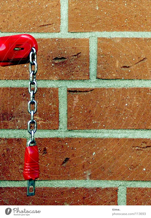 Red Wall (building) Wall (barrier) Metal Facade Communicate Plastic Castle Hang Chain Vertical Seam Close Horizontal Goods Supermarket