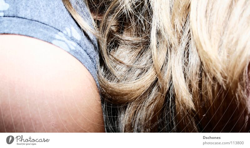 credit Woman Shoulder Feminine Gastronomy Hair and hairstyles motion Shadow Hide Part Detail