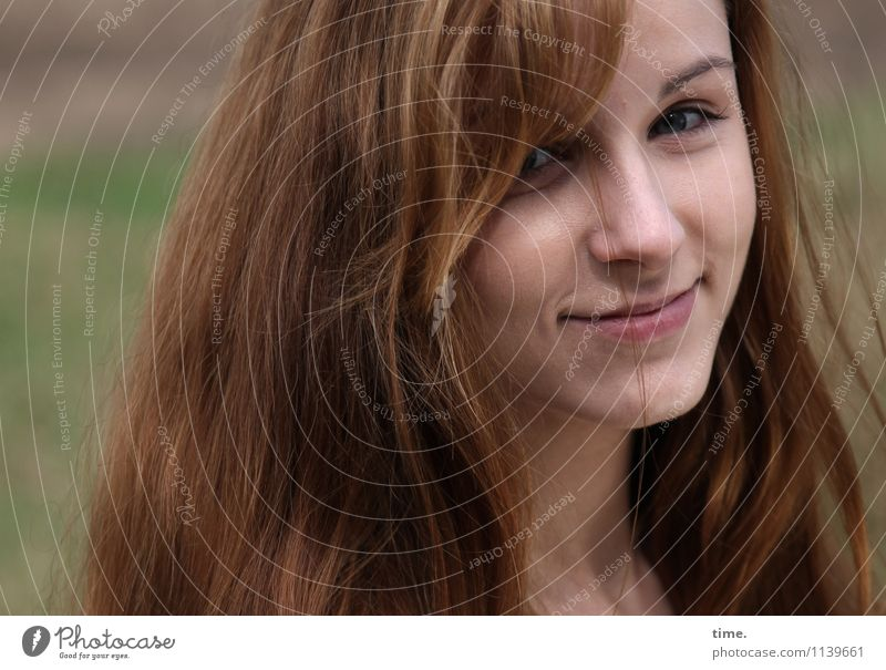. Feminine Young woman Youth (Young adults) 1 Human being Red-haired Long-haired Observe Smiling Looking Wait Beautiful Happy Contentment
