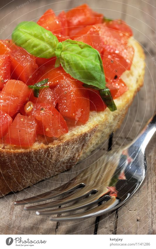 bruschetta Tomato Basil Garlic Tomato salad Summer Summery Barbecue (event) Side dish Olive oil Cooking oil Appetizer Italy Italian Food Vegetable