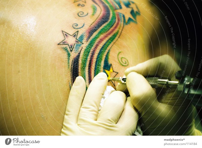 Hand Colour Happy Art Back Fingers Star (Symbol) Pain Concentrate Tattoo Artist Gloves Patient Endurance Arts and crafts