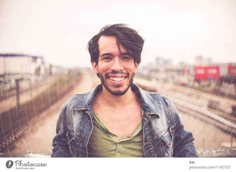 Human being Youth (Young adults) Man City Young man 18 - 30 years Adults Natural Happy Masculine Contentment Authentic Happiness Creativity Joie de vivre (Vitality) Uniqueness