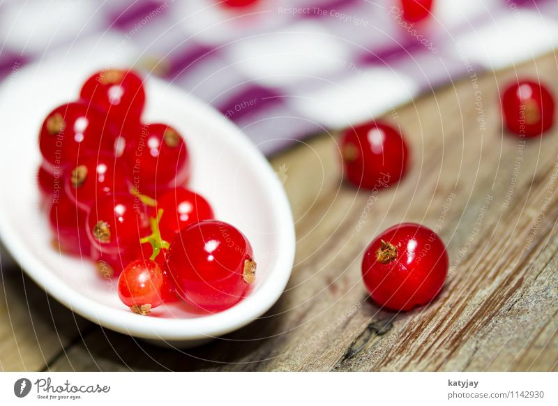 currants Redcurrant Berries Dessert Nutrition Healthy Eating Dish Food photograph Wood Wooden table Table Fruit Garden fruit Green Mixture Berry bushes