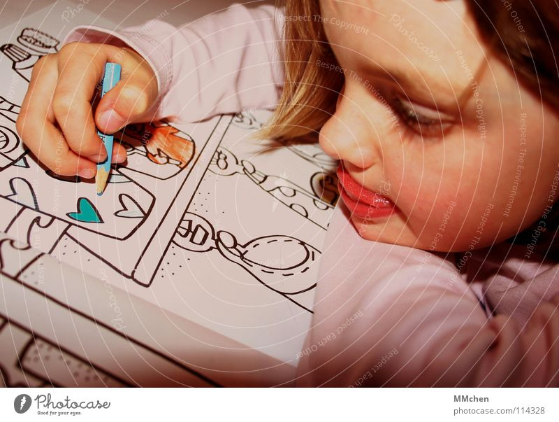 Child Girl Blue Joy Funny Heart Beginning Leisure and hobbies New Bathroom Image Painting (action, work) Concentrate Creativity Draw Boredom