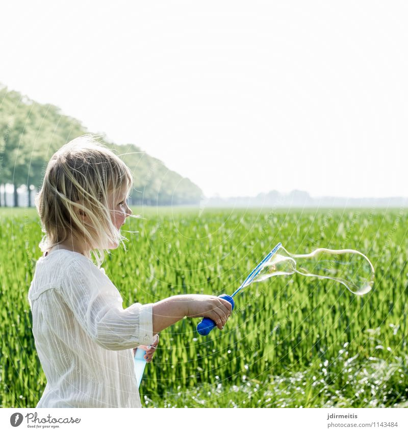 soap bubbles Leisure and hobbies Playing Freedom Human being Feminine Girl 1 3 - 8 years Child Infancy Environment Nature Landscape Plant Sky Spring Summer