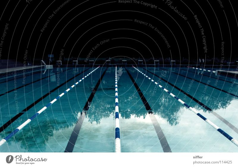 awful blue Swimming pool Empty Vanishing point Leaf Aquatics Sports Wet Dive Chlorine Air Reflection Turquoise Red White Suspect Panic Bla Water