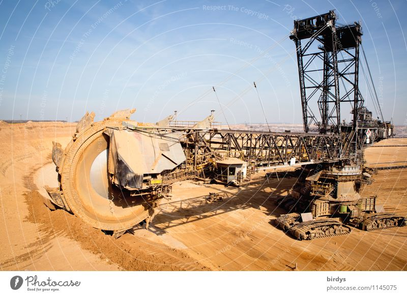 Is it about to dredge up? Workplace Construction site Industry Energy industry Technology Soft coal dredger Soft coal mining Earth Cloudless sky