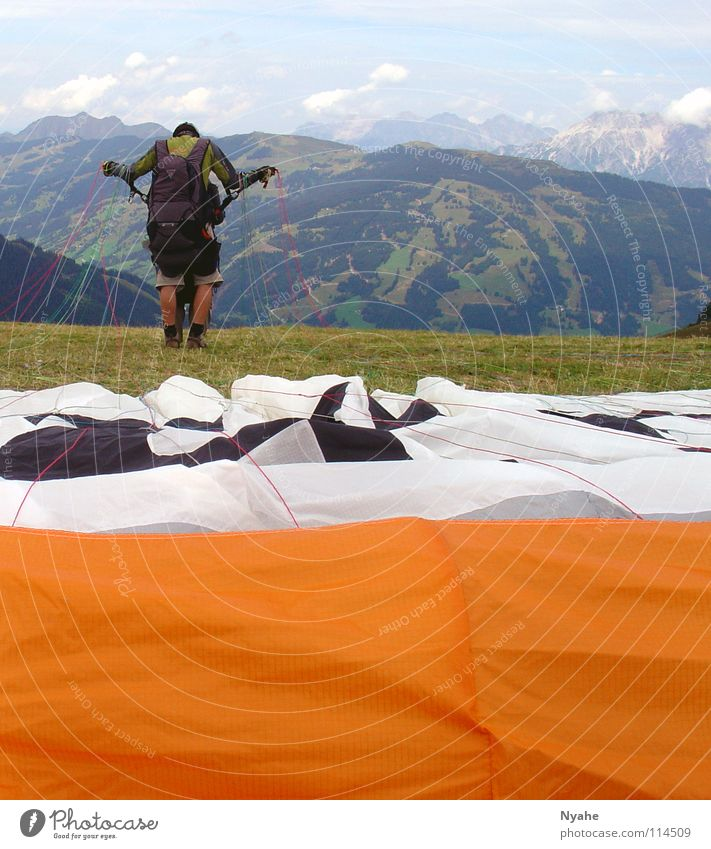 Sky Jump Mountain Freedom Air Flying Beginning Electricity Aviation Leisure and hobbies Concentrate Hover Mountaineering Departure Parachute Paraglider