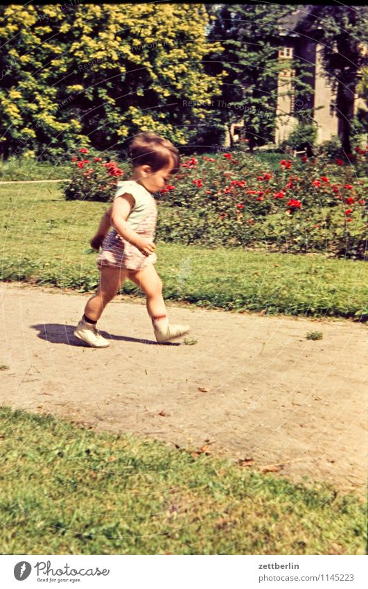 Thomas, 1966 Family & Relations Related Hiking Family outing Family planning Domestic happiness Past The fifties Sixties Human being Fashion Copy Space Sunday