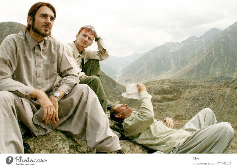 Three on the mountain Pakistan Mountaineering Vacation & Travel Hiking Jammu, Ladakh, Kashmir Effort Hard Calm Peak Eyeglasses Vantage point Far-off places
