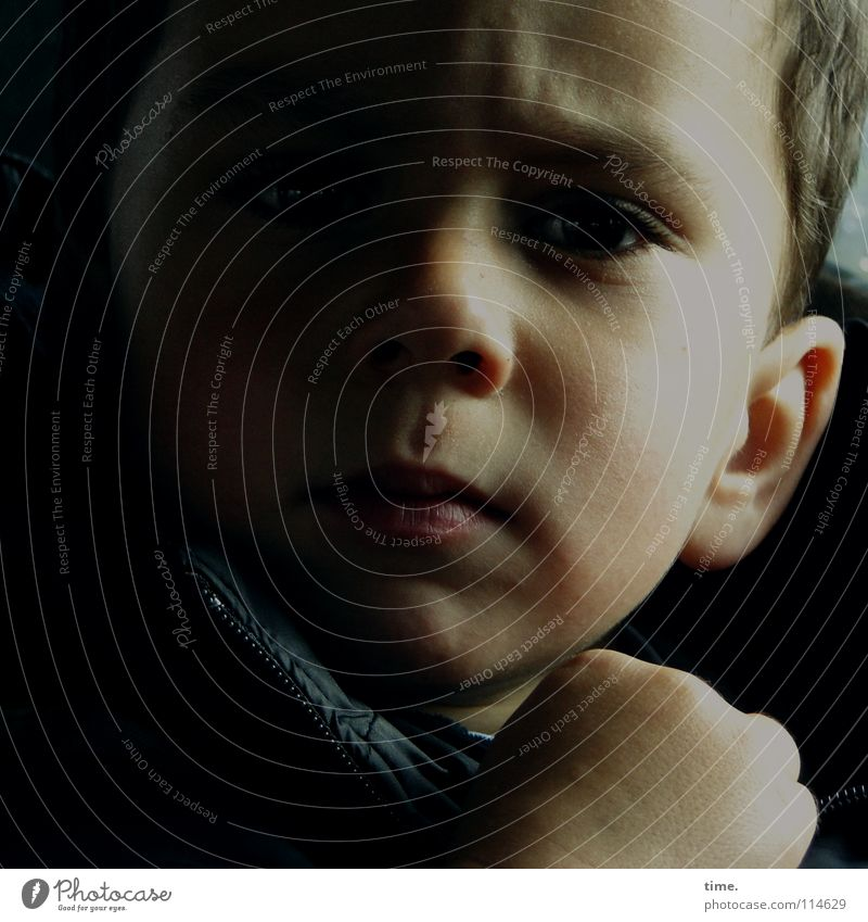 IT Works Skin Child Boy (child) Eyes Ear Nose Hand Think Listening Concentrate Penumbra Fist Forehead Thought Wrinkles Colour photo Subdued colour Interior shot