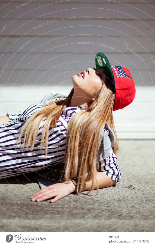 chic Feminine Young woman Youth (Young adults) 1 Human being 18 - 30 years Adults Fashion Accessory Cap Hip & trendy Beautiful Uniqueness Colour photo