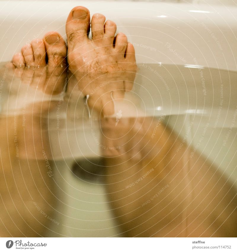 Human being Man Water White Green Black Yellow Relaxation Warmth Feet Swimming & Bathing Skin Cleaning Bathroom Bathtub