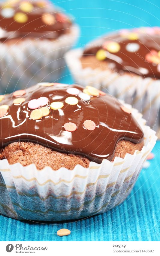 muffins Muffin Cake Baked goods Chocolate Chocolate buttons Chocolate cake Bakery American cookie Cupcake Dish Eating Food photograph Nutrition Near Close-up
