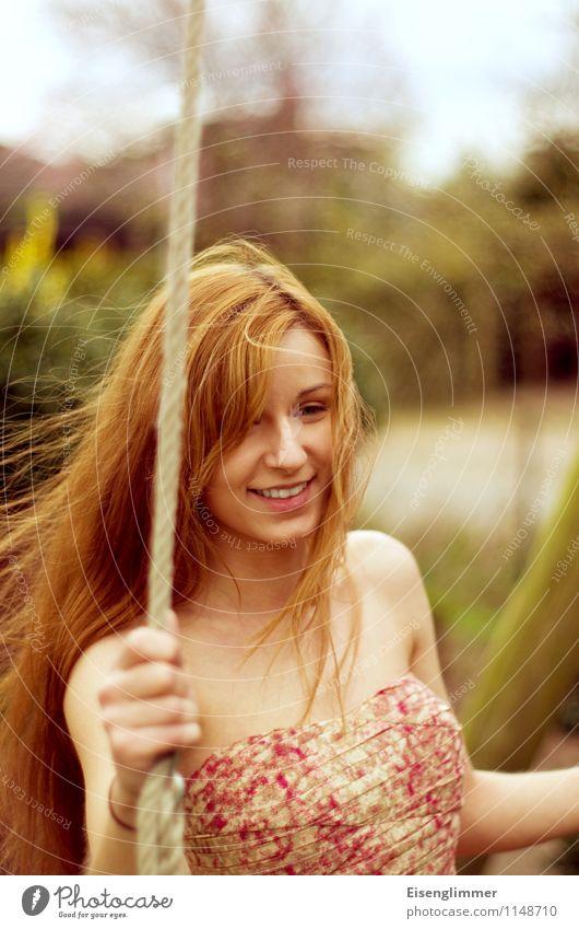 pZ2 Rocking fun Feminine Young woman Youth (Young adults) Adults 1 Human being 18 - 30 years To swing Esthetic Free Friendliness Beautiful Positive Joy Happy