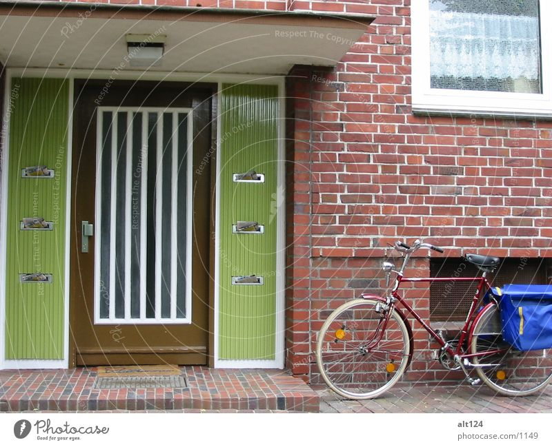 Discharged Bicycle Bag Green Wall (building) Things Stone Front door