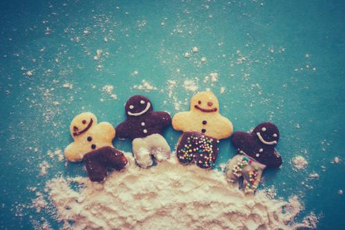 circle of friends Dessert Leisure and hobbies Feasts & Celebrations Child Human being Friendship Culture Doll Laughter Happiness Together Cute Sweet Blue