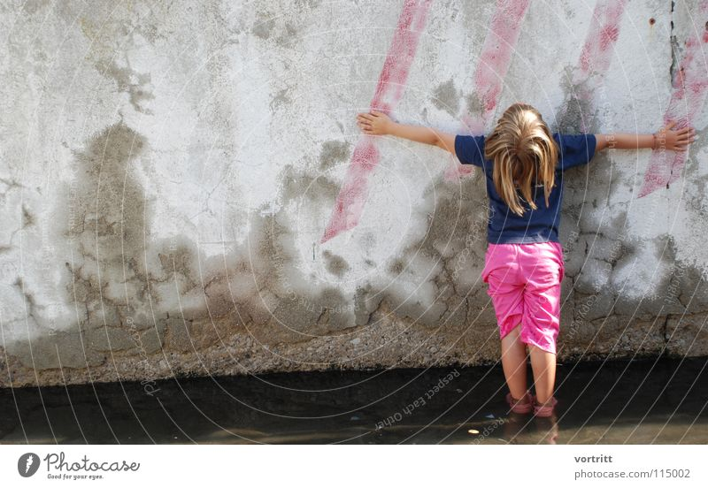 against the wall Wall (building) Concrete Stripe Pink Girl Child Stand Art Style Summer Italy Vacation & Travel Background picture Arts and crafts  Trashy Water