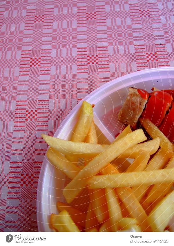Nutrition Sausage Meal Fast food Snack bar Midday Ketchup French fries Hotdog Lunch hour