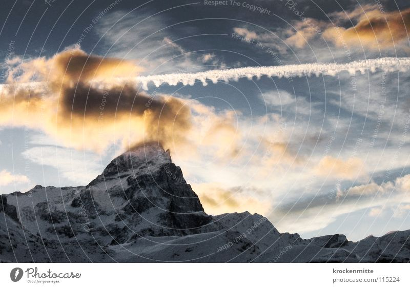 Sky Clouds Snow Mountain Level Switzerland Point Mountain range Alpine Bad weather Comb Vapor trail Evening sun Clouds in the sky Snow layer Canton Graubünden