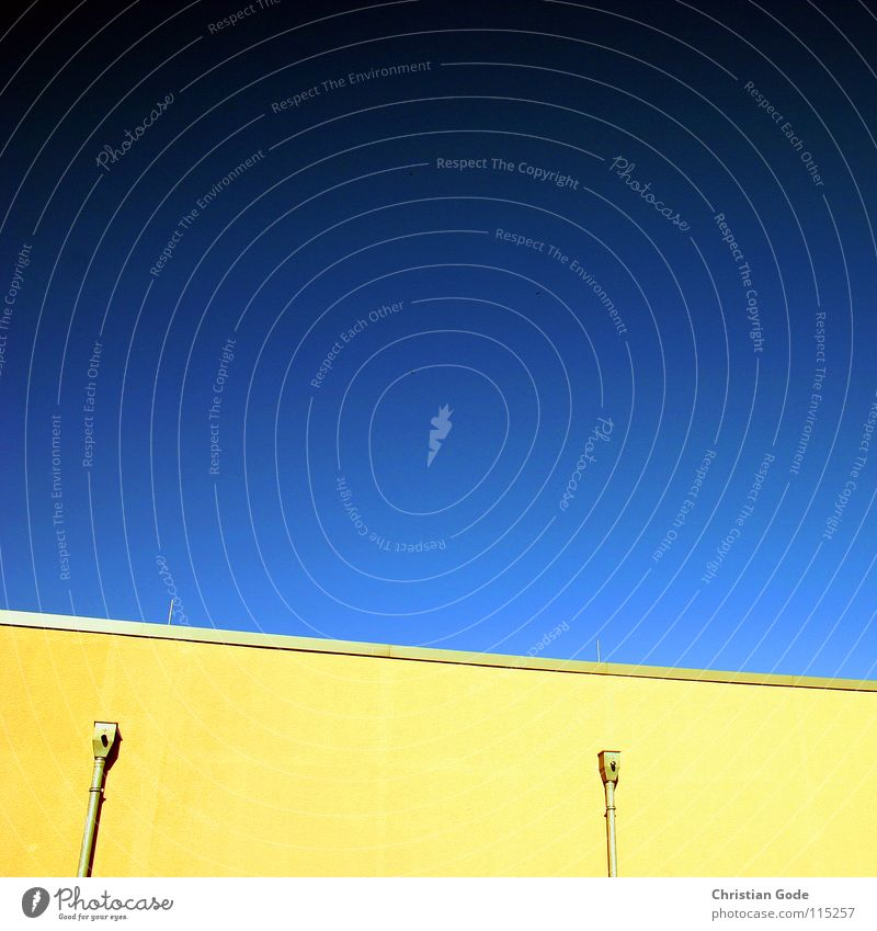 Sky Green Blue Summer Black Yellow Wall (building) 2 Architecture Germany Hot Parking lot Supermarket Symbols and metaphors Ventilation