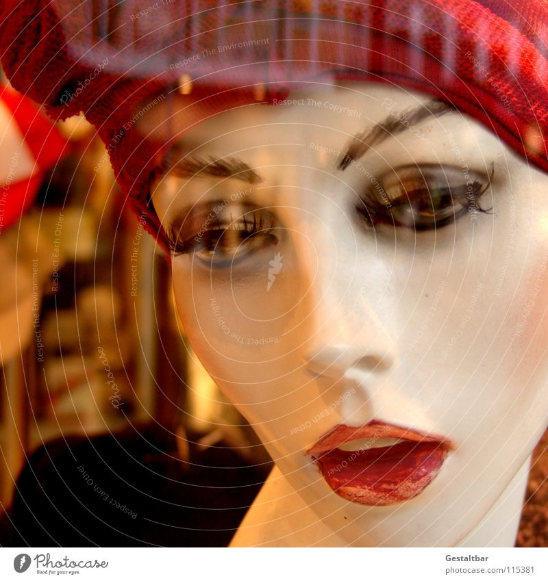 Customer catch I Mannequin Empty Make-up Cap Shop window Reflection Decoration Looking emaciated Hat To go for a walk
