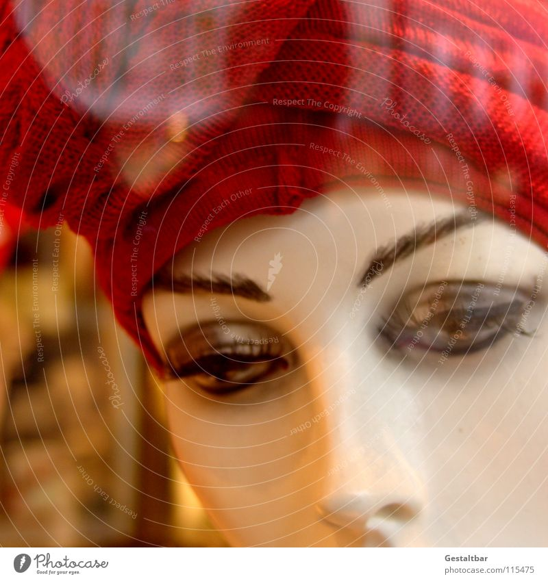 Customer Catch II Mannequin Empty Make-up Cap Shop window Reflection Decoration Looking emaciated Hat To go for a walk