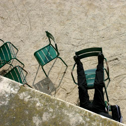 have a nap Paris Park Louvre France Break Sleep Siesta Chair Wall (barrier) Green Gravel Well Doze Relaxation Man Black Footwear Places Vacation & Travel