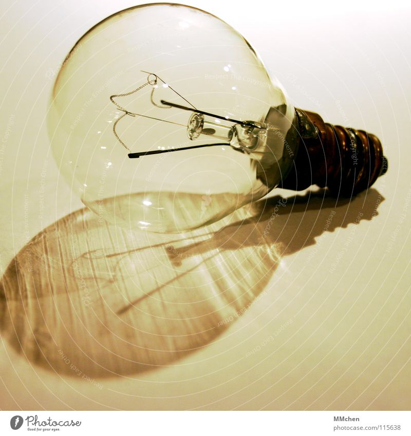 Dark Bright Metal Glass Energy industry Might Technology Broken Rotate Electric bulb Household Last Black & white photo Switch off Activate Electrical equipment