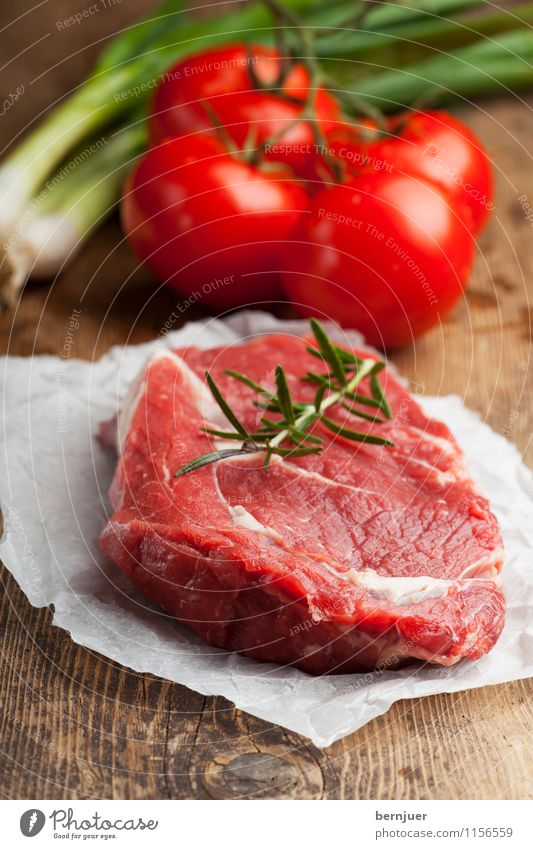 For Rosemary Food Meat Vegetable Herbs and spices Nutrition Organic produce Good Delicious Brown Red loin of beef beef steak Steak Raw Tomato Early onion