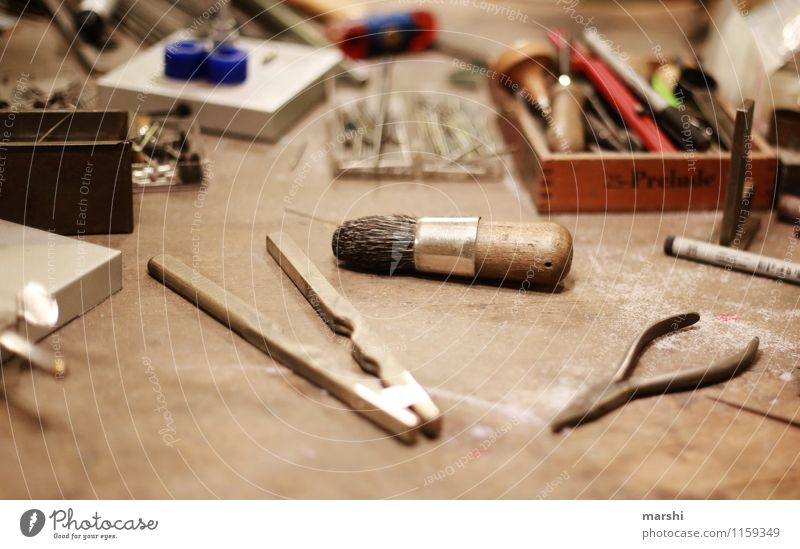 workplace Leisure and hobbies Work and employment Profession Craftsperson Artist Sign Characters Moody Tool Wrought ironwork Pair of pliers Craft (trade) Ring