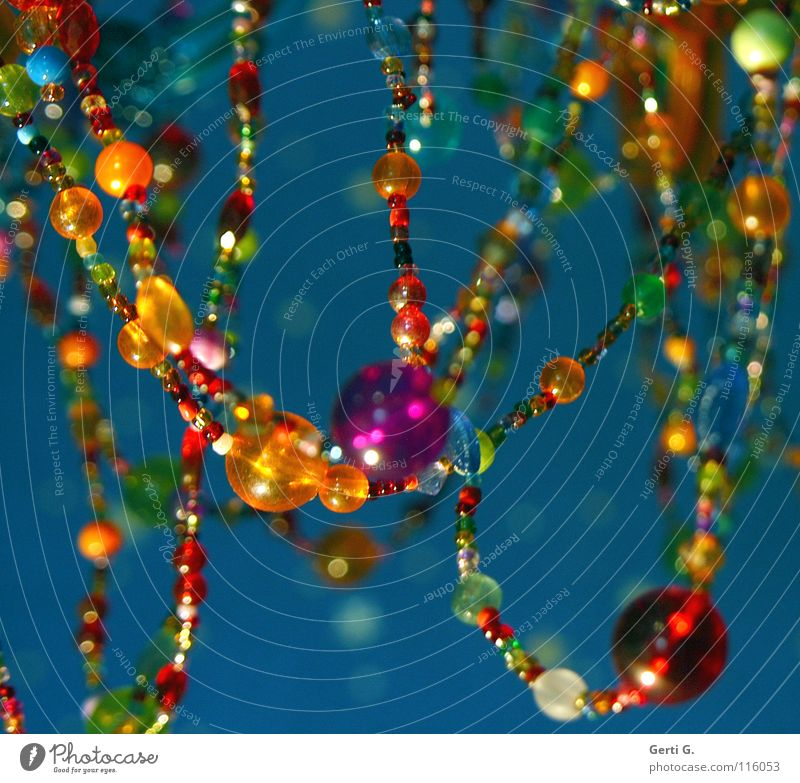 KLUNKER HER LIFE INTO BEAUTIFUL Lamp Jewellery Chandelier Violet Multicoloured Point of light Blur Cute Turquoise Amber coloured Pearl necklace Light