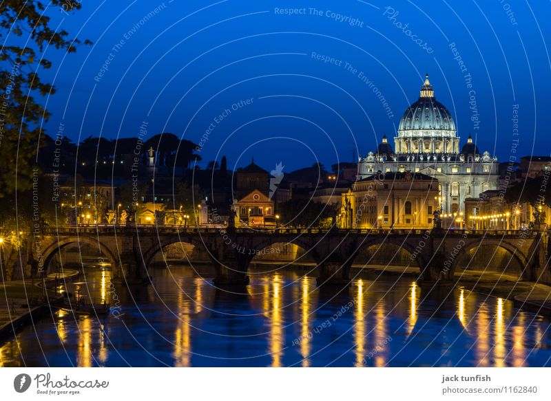 Rome, History of the Tiber River Tourism Trip Sightseeing City trip Architecture St. Peter's Cathedral Italy Capital city Church Dome Tourist Attraction