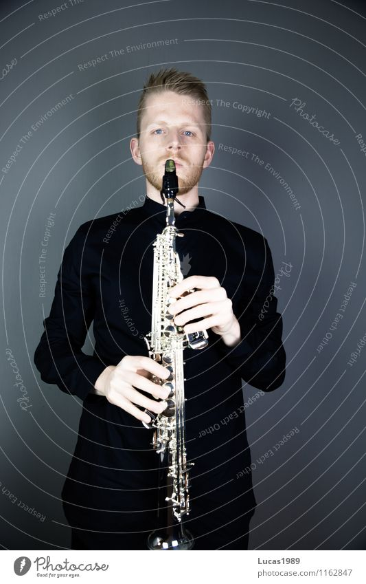 saxophonist Elegant Style Musician Human being Masculine Young man Youth (Young adults) Man Adults 1 18 - 30 years 30 - 45 years Artist Concert Stage Saxophone