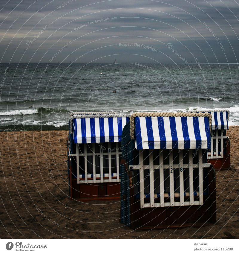Baltic baskets Beach Foam Ocean Clouds Beach chair 3 Dark Air Gale Places Kühlungsborn Mecklenburg-Western Pomerania Rostock Heiligendamm Coast Boredom Autumn