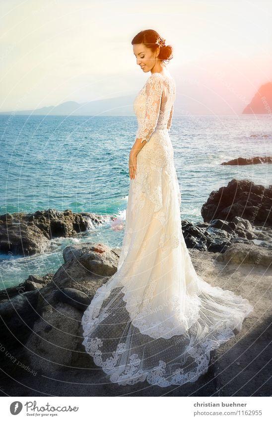 Beautiful Ocean Joy Far-off places Beach Love Emotions Happy Fashion Horizon Dream Illuminate Elegant Stand Smiling Joie de vivre (Vitality)