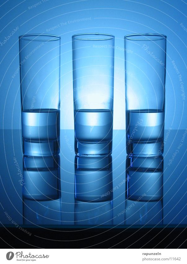 Blue Water Glittering Glass Nutrition Round Beverage Surface Smoothness Equal Mirror image Side by side Longdrink Mineral water Half full