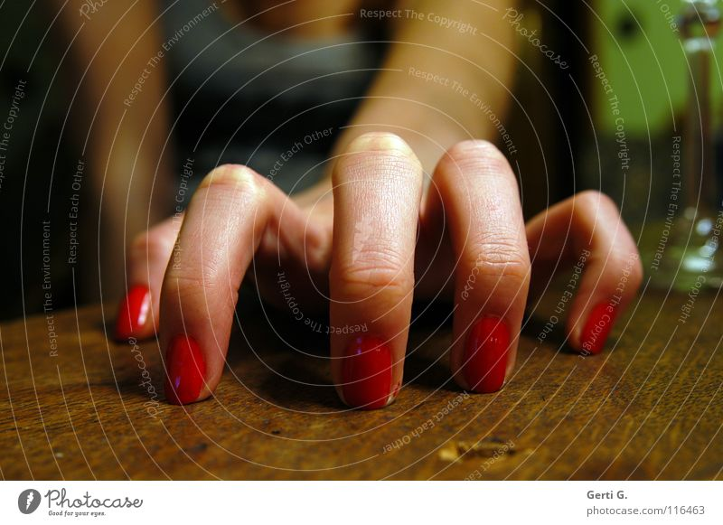 Cat Woman Hand Red Feminine Emotions Wood Arm Skin Fingers 5 Catch Spider Take Grasp Wood grain