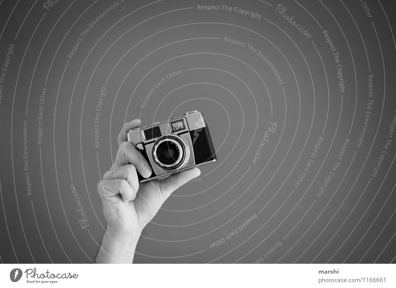 snap Lifestyle Joy Leisure and hobbies Work and employment Profession Artist Culture Sign Emotions Moody Camera Photographer Take a photo Hand Release Snapshot