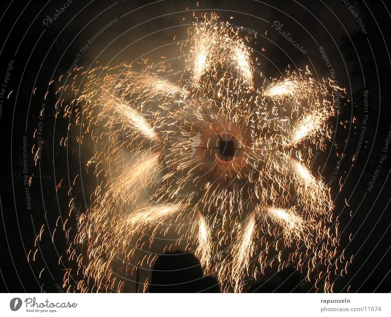 Fireworks: Star New Year's Eve Leisure and hobbies festival of lights Firecracker pyro Pyrotechnics Star (Symbol) Spark