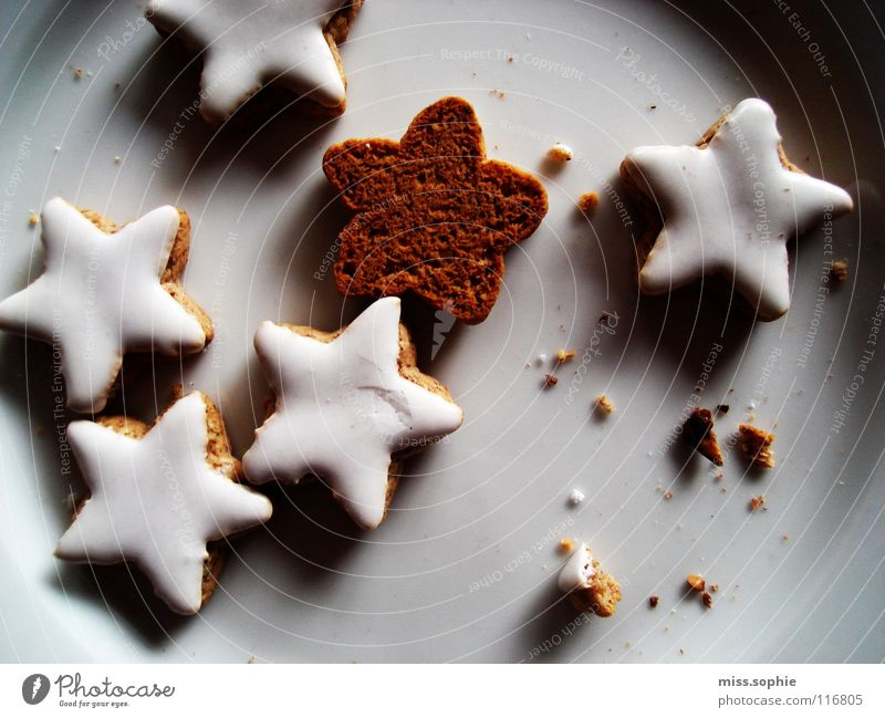 Christmas & Advent Moody Contentment Happiness To enjoy Sweet Star (Symbol) Warm-heartedness Delicious Well-being Plate Baked goods Cozy Sugar Stagnating Cookie