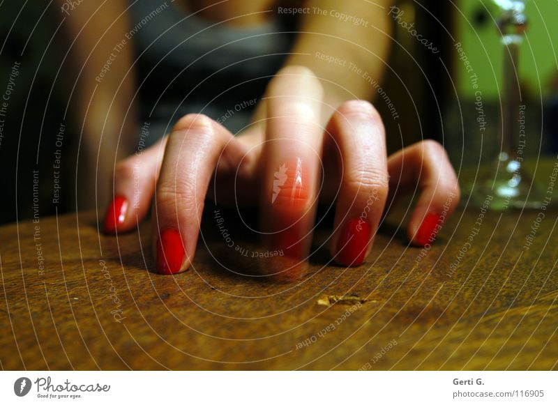 you bad finger Champagne glass Tabletop Wood Wooden table Fingers 5 Hand Forefinger Spider Typing Middle finger Knock Motion blur Woman Women`s hand Feminine