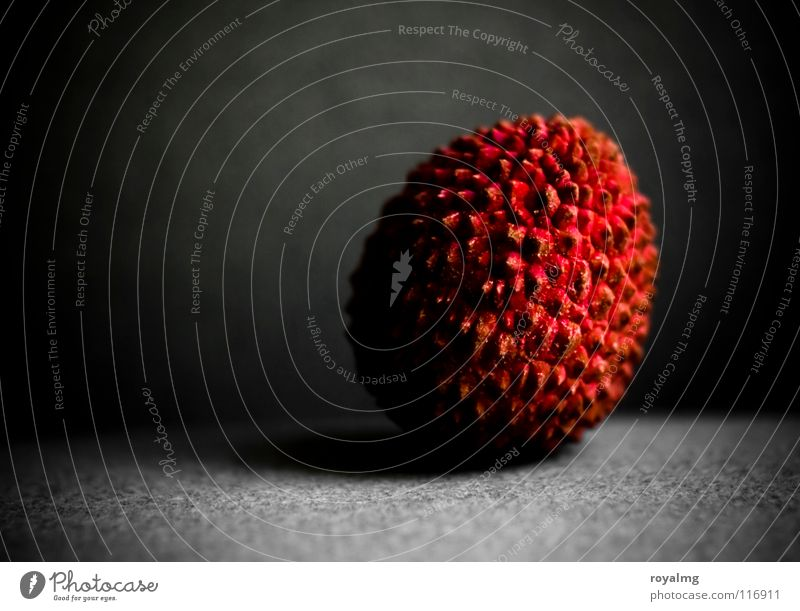 spotlight - litchi IV Lychee Transience Brown Black Violet Vitamin Nutrition Red Cone of light Fruit Bowl Food Sheath Protection Contrast fruit stage