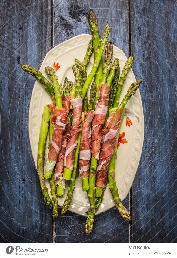 Green asparagus with ham on plate Food Meat Sausage Vegetable Nutrition Lunch Dinner Organic produce Diet Plate Style Design Healthy Eating Barbecue (apparatus)