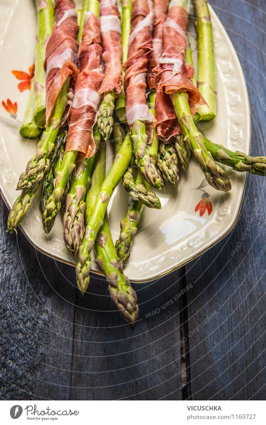 Green asparagus with chicken Food Sausage Vegetable Nutrition Lunch Dinner Organic produce Plate Style Design Barbecue (apparatus) Simple Asparagus