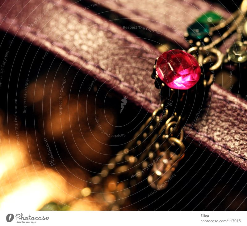 Green Red Lamp Warmth Glittering Gold Near Physics Luxury Jewellery Cute Pearl Leather Chain Necklace Raven birds