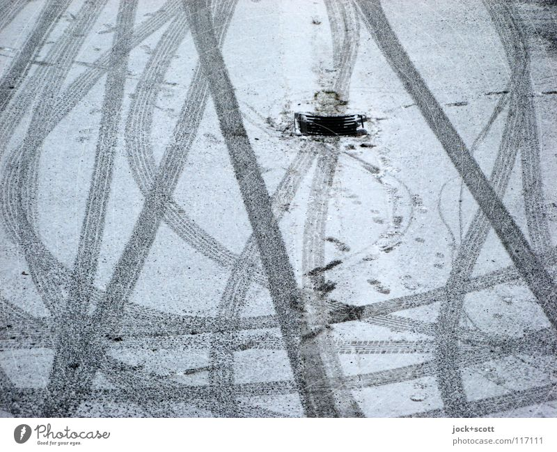 Mature(s) Winter Snow Traffic infrastructure Parking lot Stripe Movement Rotate chill Gloomy White Flexible Arrangement Cross Tracks Surface Direction Furrow